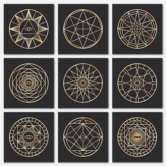 Antichi pentagrammi massonici simboli sacri dell'oro di steampunk su sfondi scuri
