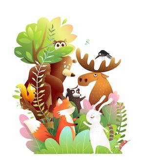 Animali della foresta insieme su un grande albero orso alce coniglio puzzola serpente e gufo simpatici amici