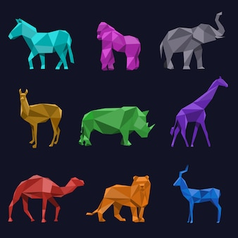 Animali low poly. capriolo e leone, rinoceronte cammello elefante gorilla e giraffa, illustrazione vettoriale