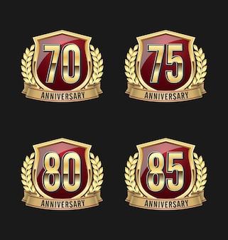 Distintivi di anniversario. set di quattro distintivi di anniversario di lusso.