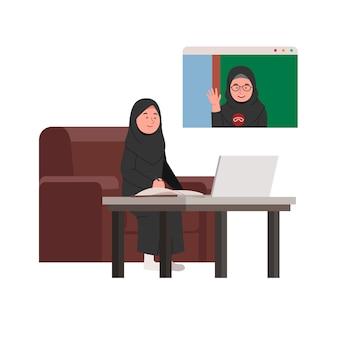 Studente arabo in linea di studio in classe a casa con l'insegnante in videochiamata