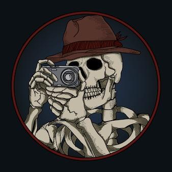 Illustrazione di opere d'arte e maglietta design teschio umano con la macchina fotografica
