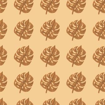 Toni di autunno fogliame esotico senza cuciture con forme monstera marroni. sfondo arancione chiaro.