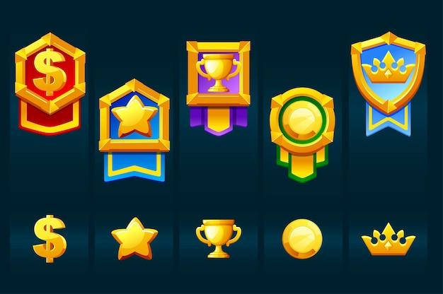 Assegna badge d'oro con icone per i giochi dell'interfaccia utente vincitori. illustrazione vettoriale set medaglie con corona, coppa, stella per la progettazione grafica.