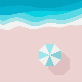 Spiaggia di sabbia azzurra, mare o oceano e ombrellone, vista dall'alto.