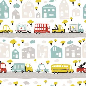 Mappa della città del bambino con strade e trasporti. modello senza soluzione di continuità. illustrazione del fumetto in stile scandinavo disegnato a mano infantile. per camerette, tessuti, carta da parati, imballaggi, abbigliamento, ecc