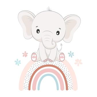 Elefantino seduto su un arcobaleno isolato su bianco