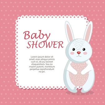 Carta di baby shower con coniglio carino