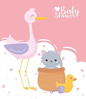 Baby shower, simpatica anatra gatto cicogna e giocattoli sonagli, celebrazione benvenuto neonato