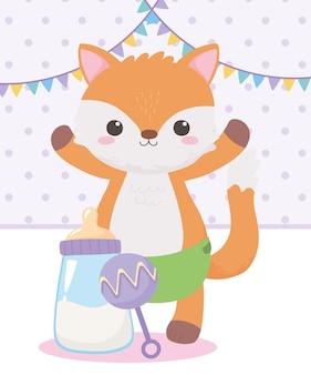 Baby shower, sonaglio piccola volpe e biberon latte, celebrazione benvenuto neonato