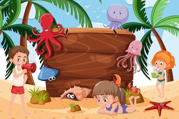 Scena di sfondo con creature marine sulla spiaggia