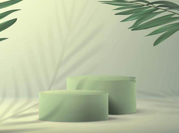 Sfondo con piedistallo vuoto per dimostrazione prodotto in stile minimalista nei toni del verde con rami di palma.