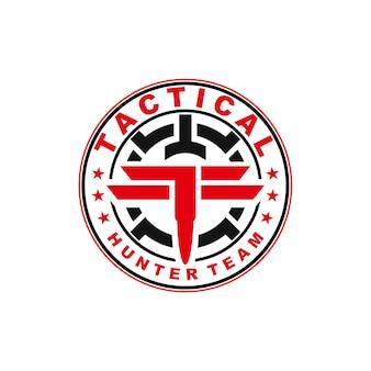 Distintivo emblema logo di addestramento tattico o militare tattico sport cacciatore squadra proiettile e ambito