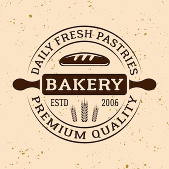Emblema, etichetta, distintivo o logo rotondo vettoriale vintage da forno con mattarello su sfondo di colore chiaro