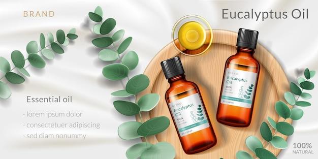 Banner per la pubblicità di olio di eucalipto con bottiglia di vetro d realistica e piastra per rami vegetali per