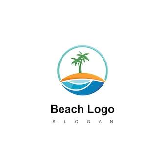Design del logo della spiaggia per la compagnia di viaggi