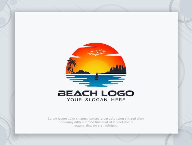 Design del logo del mare del sole della spiaggia