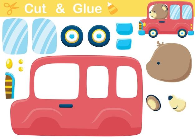 Fumetto dell'orso sul bus rosso. gioco di carta educativo per bambini. ritaglio e incollaggio