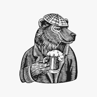 Orso con un boccale di birra isolato su bianco