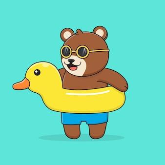 Orso con anello di nuoto anatra e occhiali da sole