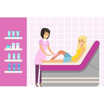 Estetista ceretta gamba donna presso spa o salone di bellezza. personaggio dei cartoni animati colorato illustrazione