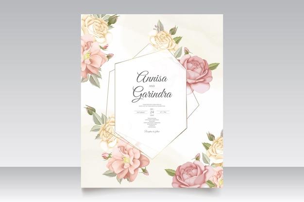 Bellissimo modello di carta di invito a nozze con cornice floreale vettore premium