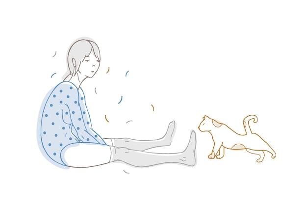 Bella ragazza vestita di body punteggiato e calze e gatto disegnato a mano con linee di contorno su bianco
