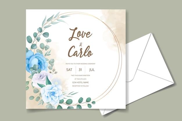 Bella mano disegno disegno floreale blu invito a nozze