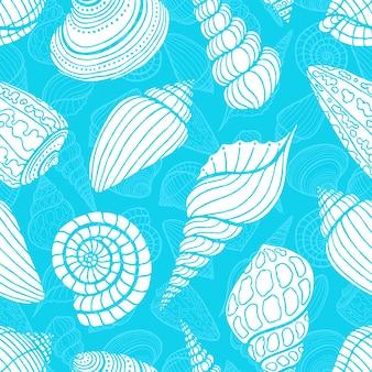 Bello modello blu senza cuciture delle conchiglie bianche di schizzo. illustrazione disegnata a mano