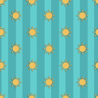 Bellissimo modello vettoriale senza soluzione di continuità del sole su uno sfondo blu a strisce. modello senza soluzione di continuità. striscia marina