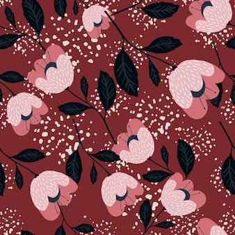 Modello senza cuciture di bellissimi fiori vintage su sfondo rosso. trama di botanica. carta da parati floreale. design elegante e romantico per tessuto, stampa tessile, avvolgimento, copertina. illustrazione vettoriale.