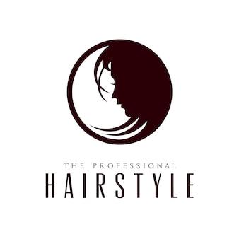 Fronte della siluetta della donna di bellezza con i capelli per il disegno del logo dell'acconciatura del salone