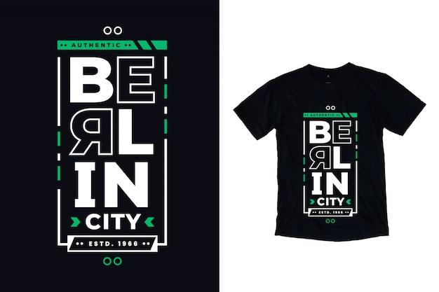 T-shirt nera con caratteri tipografici moderni di berlino città