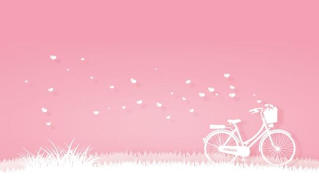 Bicicletta nel prato o nel giardino