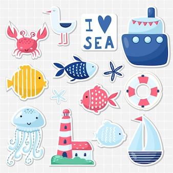 Grande set di simpatici elementi marini per carte e adesivi. design a tema marino. per anniversari, compleanni, inviti per feste, scrapbooking, biglietti. illustrazione vettoriale