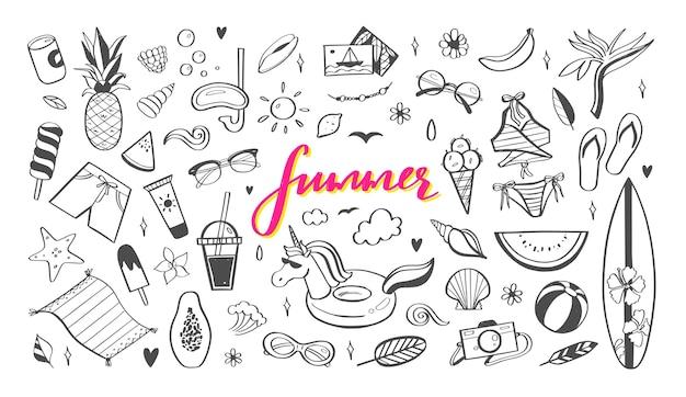 Grande insieme di elementi di doodle di design estivo Vettore Premium
