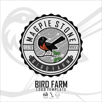 Modello di logo della fattoria degli uccelli con uno sfondo bianco