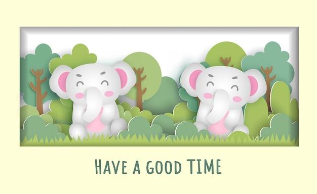 Biglietto di auguri di compleanno con simpatici animali ubicazione in una macchina nella foresta per biglietto di auguri, cartolina.