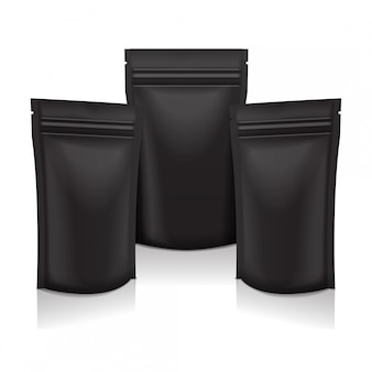 Sacchetto di busta in sacchetto nero per alimenti o cosmetici in confezione nera con cerniera.