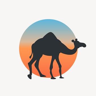 Sagoma di cammello di colore nero sul retro del cerchio