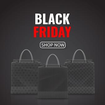 Vendita del black friday. sacchetto della spesa di carta realistico con manici isolati su priorità bassa bianca.