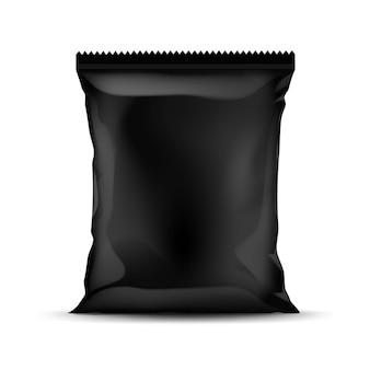 Sacchetto di plastica in lamina sigillata verticale nera per il design del pacchetto con bordi seghettati vicino isolato