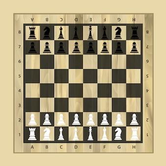 Tavola di legno di scacchi in bianco e nero con pezzi degli scacchi
