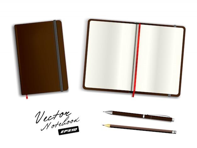 Modello di quaderno aperto e chiuso marrone vuoto con elastico e segnalibro. penna e matita marroni in bianco realistiche della cancelleria. illustrazione del taccuino isolata su fondo bianco.