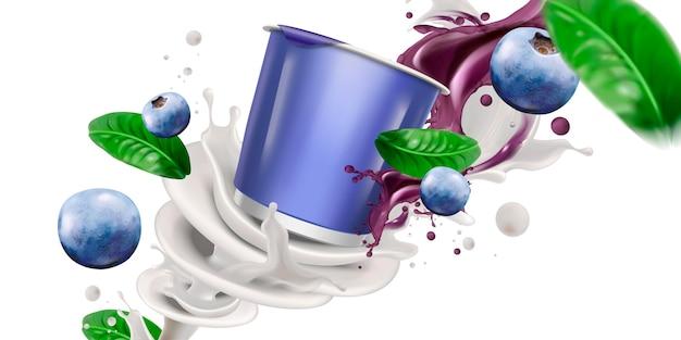 Tazza vuota con yogurt o latte vorticoso e mirtilli freschi su sfondo bianco