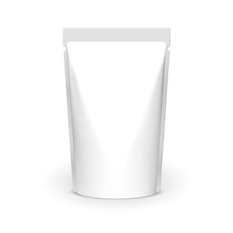 Confezione di cibo stagnola in bianco su bianco. prodotto modello pacchetto sacchetto di cibo. carta stagnola alimentare o confezione di plastica.