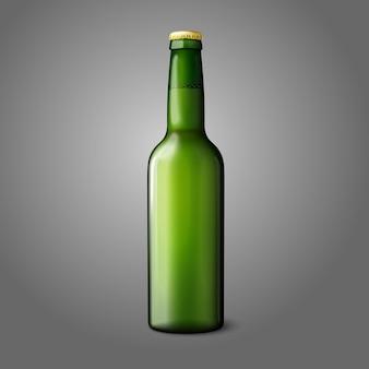 Bottiglia di birra realistica verde vuota isolata su sfondo grigio e branding.
