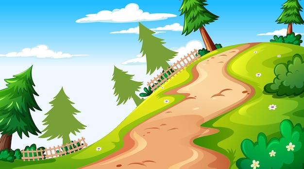 Paesaggio vuoto del parco naturale nella scena diurna con sentiero attraverso il prato