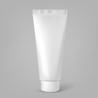Tubo cosmetico bianco in bianco isolato