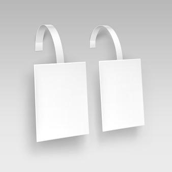 Vuoto quadrato bianco papper pubblicità plastica prezzo wobbler sullo sfondo